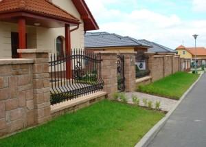 Betonový plot, zdro: www.presbeton.cz