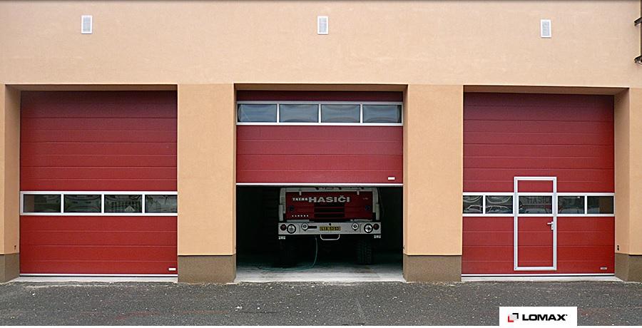 Průmyslová garážová vrata, zdroj: Lomax.cz