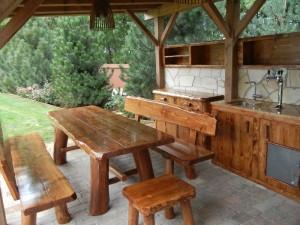 Zahradní nábytek z masivu, zdroj: www.werdina-shop.cz