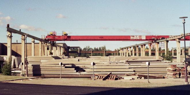 Mostový jeřáb, zdro: wikipedie